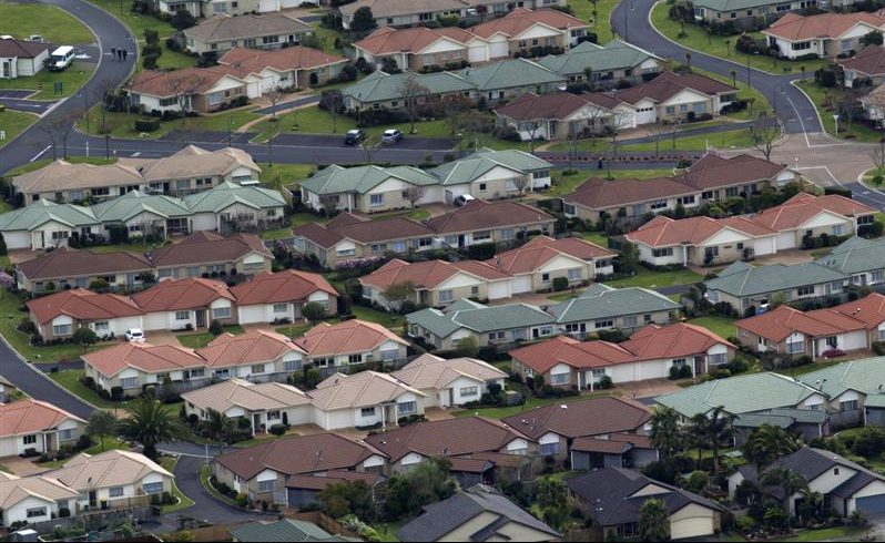 a_view_of_suburban_housing_south_of_auckland__phot_52676ede84